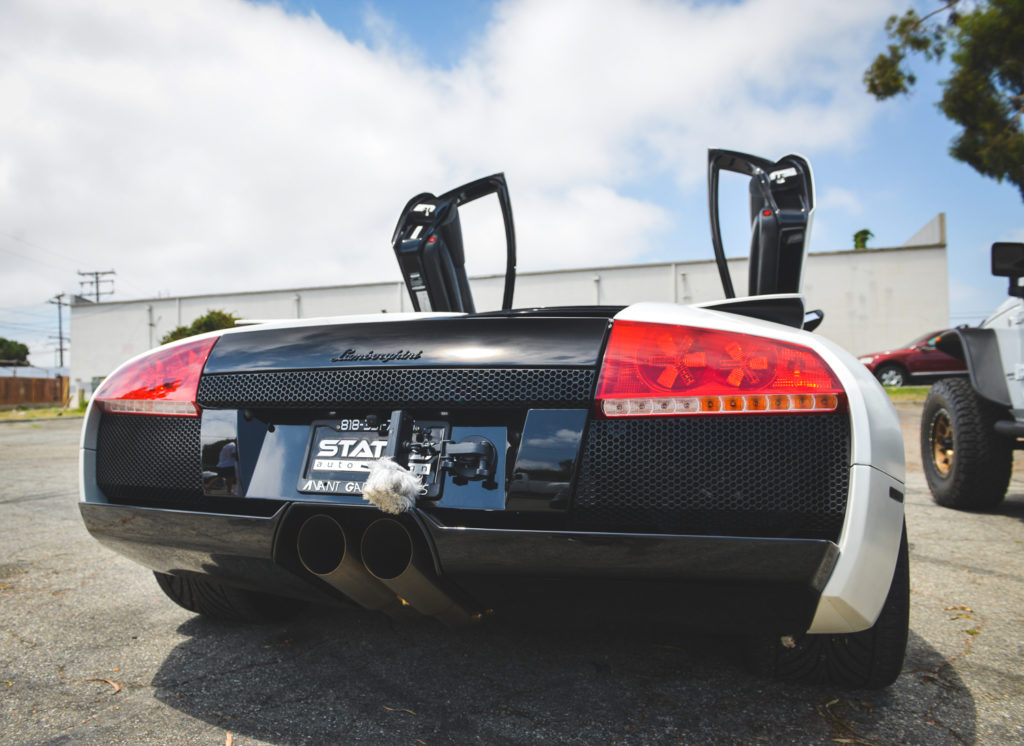 Lamborghini Murcielago With Straigh Pipe Exhaust Sounds In Tunnels